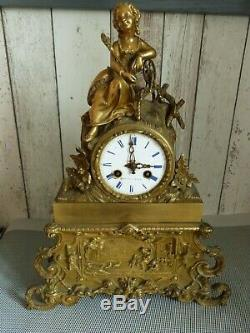 Ancient Bronze Clock Spinning Au Rouet