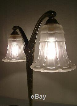 Bronze Art Deco Two-arm Lamp And Molded Pressed Glass Tulips 1925/1930