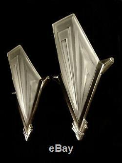 Degué Dappliques Pair Art Deco Bronze Nickel & Clogs Pressed Glass 1930