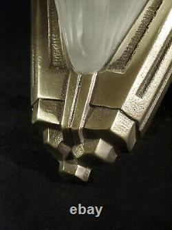 Ejg/d. Robert Pair Art Deco Appliances Nickelé Bronze And Pressed Glass 1930