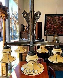 Lustre Art Deco Modernist Bobèches Opaline Bronze Patinated Decoration Parrots