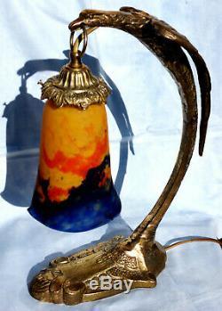Pretty Tulip Bronze Eagle Lamp Muller, Model Ranc, Era Daum Galle 1900
