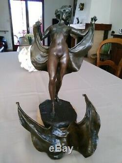 Statue Bronze Art Deco. Statue Signed Bergman. Large Bronze From Vienna