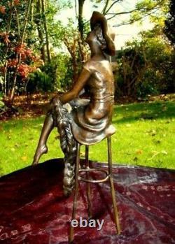 Statue Demoiselle Pin-up Hat Art Deco Style Art Nouveau Bronze Massive Bronze