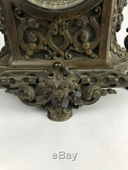 Trim Pendulum In Chimney With Candlesticks Bronze 1880-1900