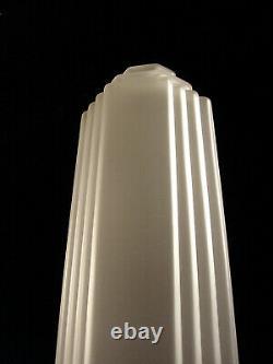A. Bloch Lampe Building Art Déco En Bronze Nickelé & Globe En Verre Pressé 1930