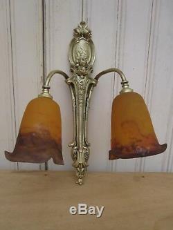 Applique bronze Art nouveau Art déco avec tulipes pâte de verre Degué