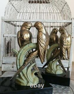 Bronze Art Déco 1930 Élégante Paire de Couples de Perruches Serre livres