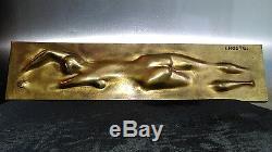 Claude LHOSTE (1929-2010) Plaque en bronze NAGEUSE DE CRAWL NUE 1975