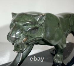 Grand sculpture en bronze Art Deco Jaguar marchant panthère statue signée