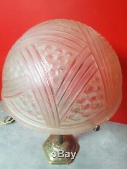 Lampe Art Deco en verre moulé et bronze Vincent Hettier et verreries des hanots