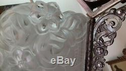 Lustre bronze art déco à plaques et tulipes signé Degué