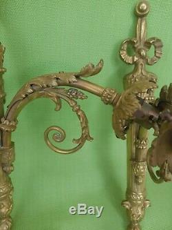 Paire D'appliques En Bronze Avec Deux Tulipes En Verre