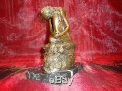Statue Demoiselle Nue Sexy Style Art Deco Style Art Nouveau Bronze massif Signe