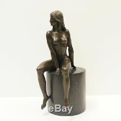 Statue Nymphe Nue Style Art Deco Style Art Nouveau Bronze massif Signe