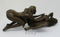 Statue Sculpture Couple Sexy Style Art Deco Bronze massif Signe