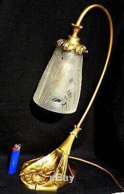Superbe grande lampe bronze art-deco, rare tulipe Muller aux papillons, era daum